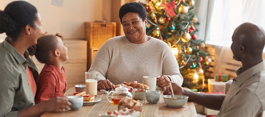family-enjoying-christmas-dinner blog