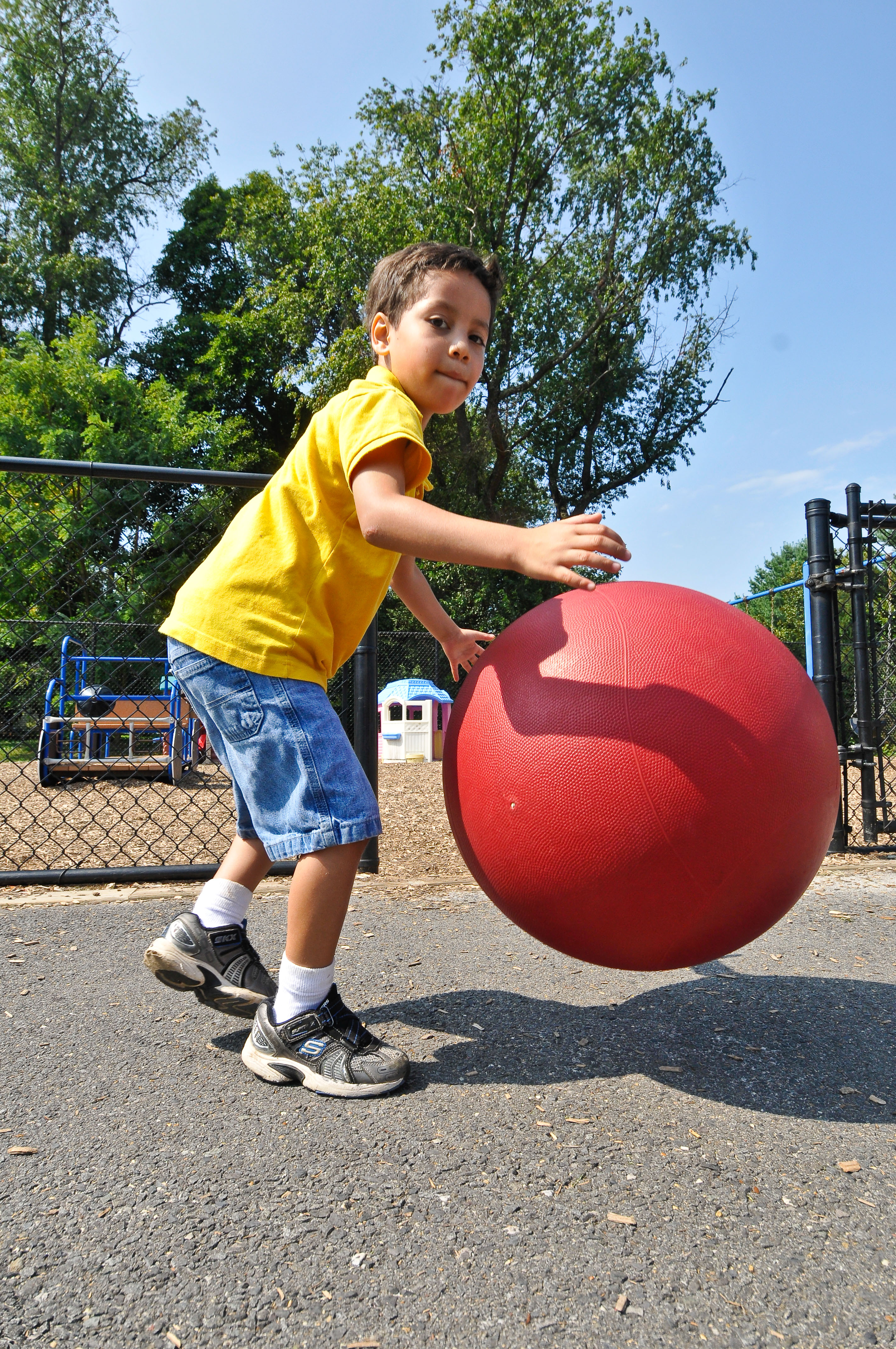 Who Plays a Role in Helping Children Achieve a Healthy Weight?